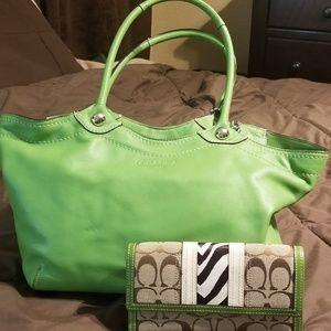 Green Coach purse & matching wallet